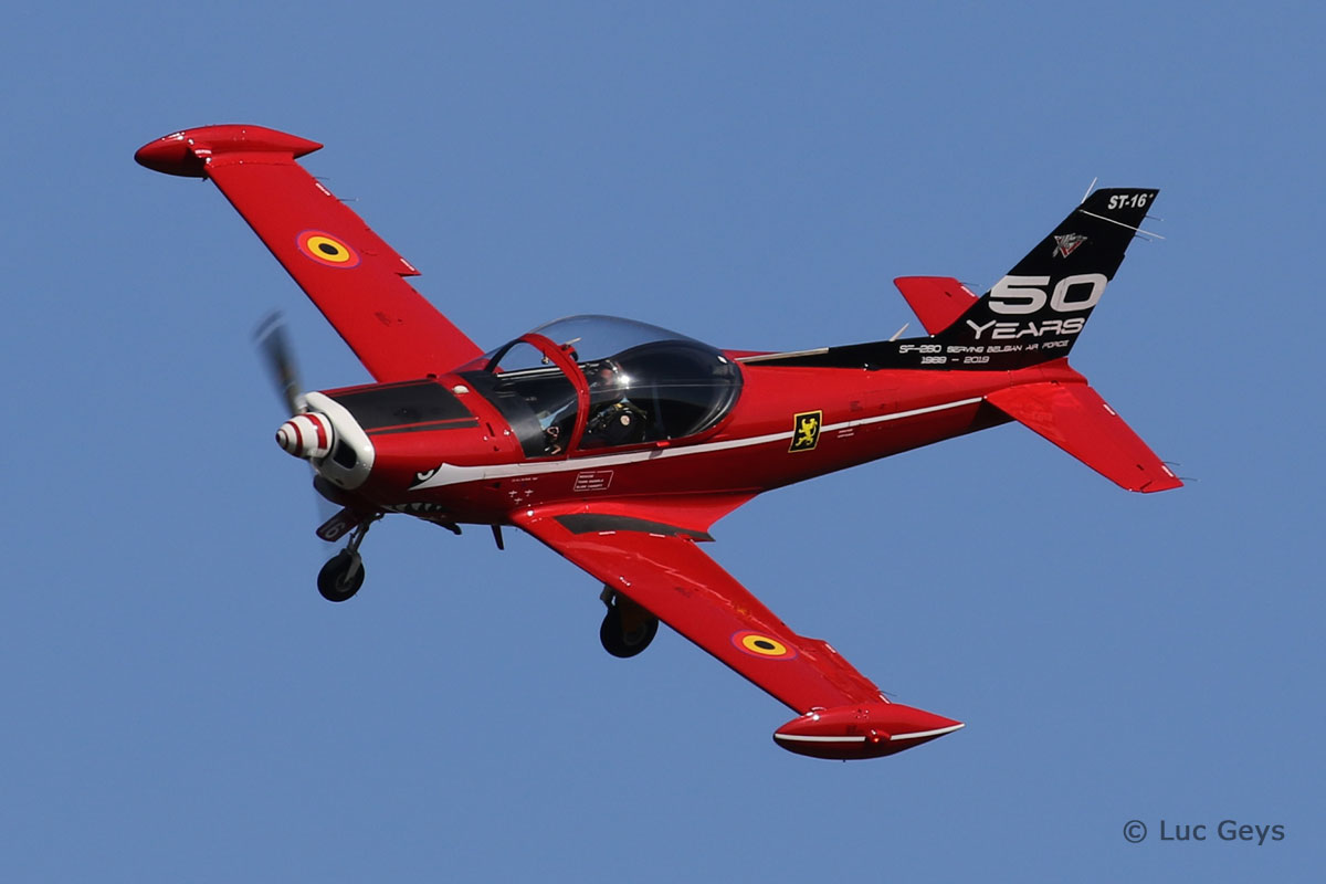 Modern Military - SF260 (ST-16 Belgian AF)  Luc Geys